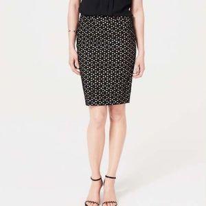 Ann Taylor Loft Black Floral Eyelet Lace skirt B4